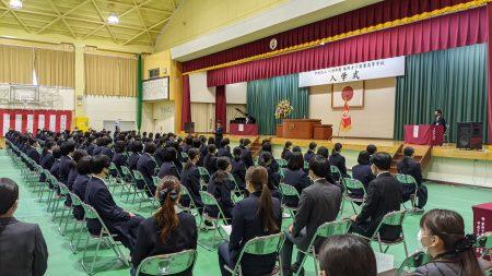 本校の新校長について西日本新聞に取材していただきました。