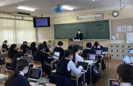 授業のオンライン配信開始
