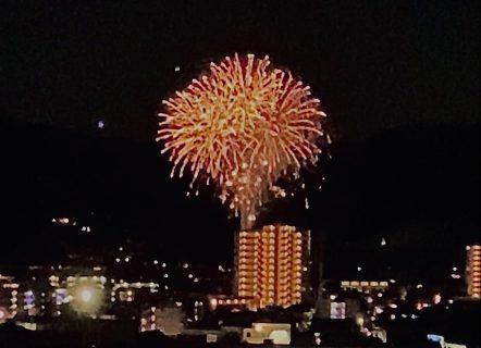 筑紫地区5市同時打上花火に合わせて校舎屋上を開放しました